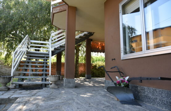 Villa a Galliate a 345.000 €